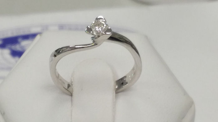 18 kt white gold ring with 0.14 ct diamond, F/VVS, size 9 (IT)