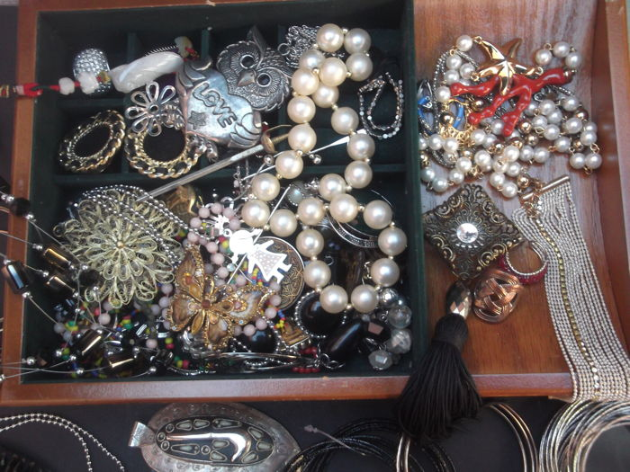Treasure with almost 160 items and collectibles.