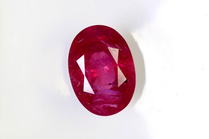 Ruby - 1.03 ct - Intense Red - Fine Color Quality