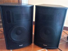 """PAIR OF ACTIVE SPEAKERS - PLUG & SOUND 'DELUXE' IN KTV 900W 8"""" BLUETOOTH + USB-SD"""