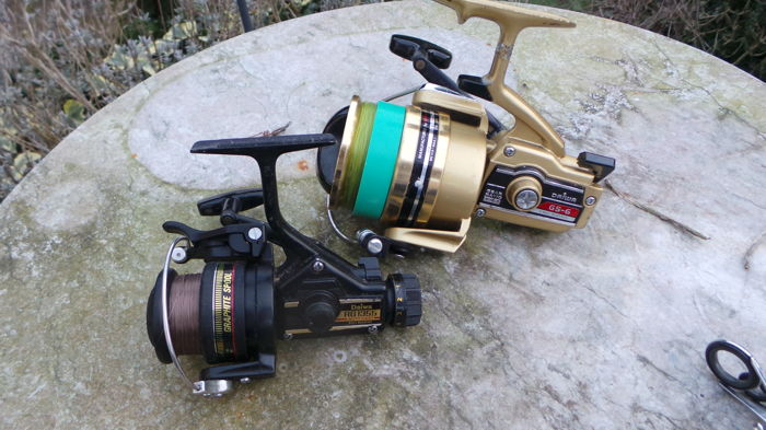 A lot with 2 beautiful DAIWA spinning reels with 1 quality