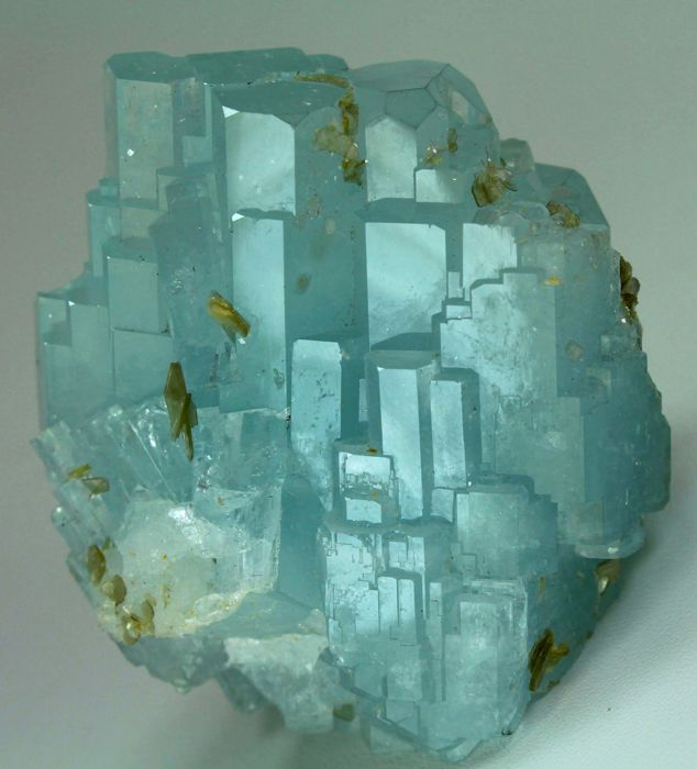 Undamaged & Multi Double Terminated Light Blue Gemmy Aquamarine Crystal Cluster - 62 x 60 x 47mm - 205gr