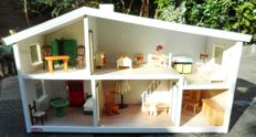 Lundby of Sweden - Dollhouse - with 24 pieces of furniture
