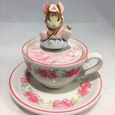 "Beatrix Potter music box ""The Tailor of Gloucester"""