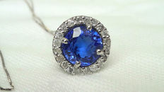 Necklace and pendant in 18 kt white gold with 2.74 ct tanzanite and 0.40 ct diamonds ***No Reserve***