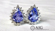 Earrings in 18 kt with 8.24 ct of natural tanzanite, with AIG certificate, and 1.60 ct of diamonds ***No reserve price***