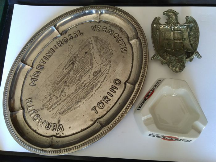 Vermouth Martini old metal tray + Martini ceramic ashtray + ashtray in the shape of an eagle with the House of Savoy coat of arms