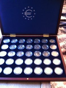 Europe - 2 euro 2007 'Complete series 2 Euro coins Treaty of Rome 2007' - 17 pieces and 35 euro coins in a wooden case