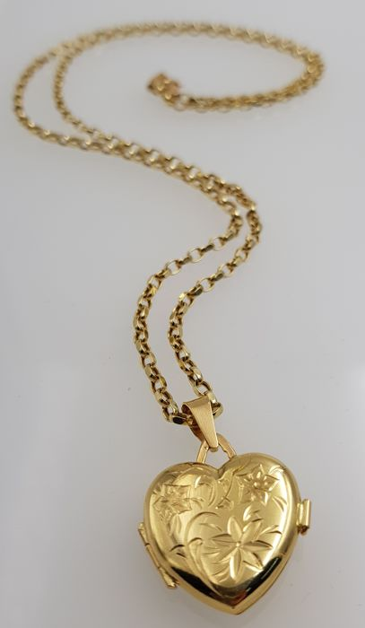 Necklace with a reliquary pendant in 18 kt yellow gold length 60 necklace with a reliquary pendant in 18 kt yellow gold length 60 cm aloadofball Image collections