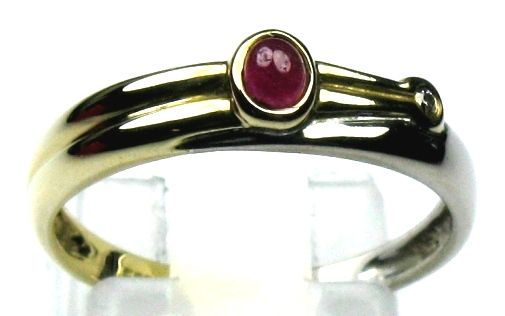 Ruby (0.15 ct) diamond (0.03 ct) ring solid 14 kt / 585 white and yellow gold size 55/17.5 mm