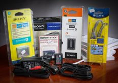 8 accessories and batteries SONY mint