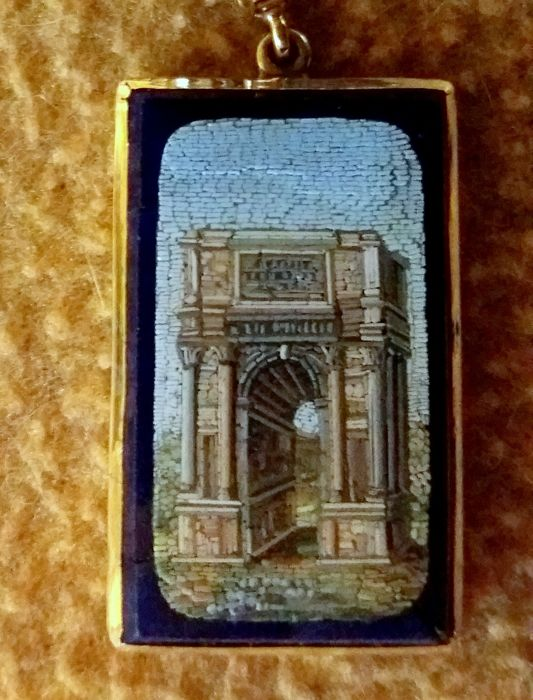 Grand Tour Micro mosaic - Arc of Triumph Exceptionally refined, with approx. 1,000 glass pieces
