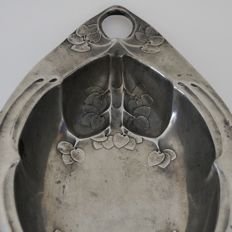 ORION (1903-1906) - Art Nouveau pewter floral decorated centerpiece by Friedrich Adler