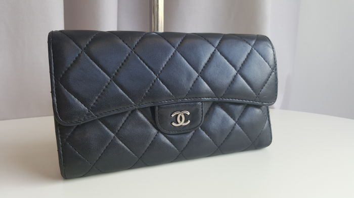 5c65f1ba5a3 Chanel - portefeuille - Catawiki