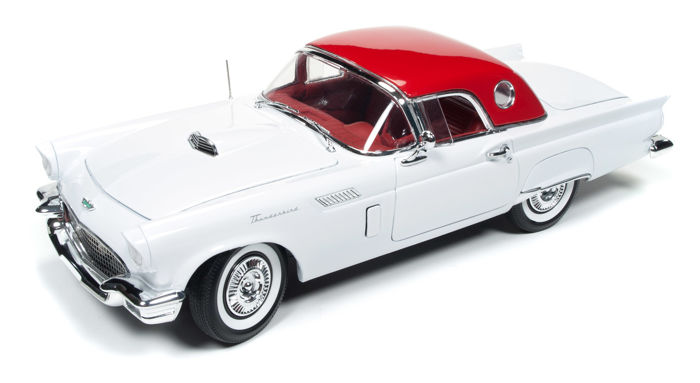 Auto World - 1:18 - Ford Thunderbird Holiday Muscle Edition 1957 - Limited Edition of 1.002 pcs.
