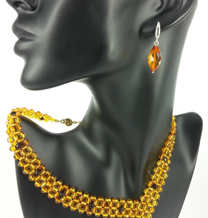 Set - Earrings & Necklace circuit: 42 cm - Natural Baltic amber - Faceted - UV test - no pressed