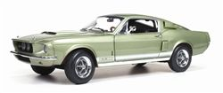 Ertl-AutoWorld - Scale 1/18 - Ford Mustang Shelby GT500 - Colour: Lime-green Poly with white rocker stripe on the side flanks