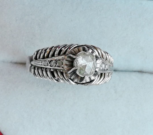 Antique 18K White gold ring with 7 diamonds, certified