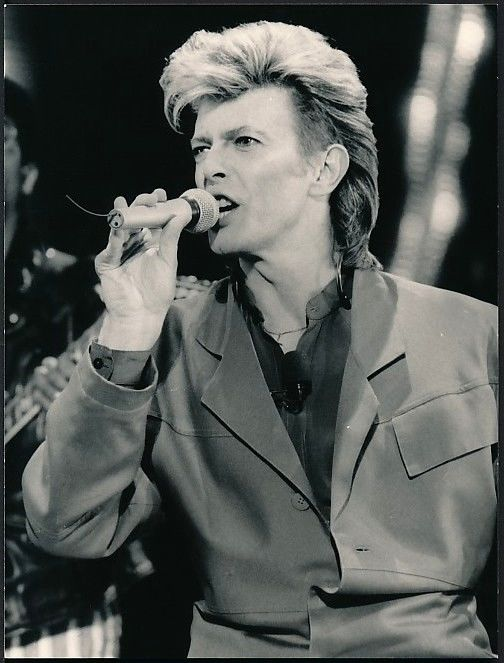 Gary Gershoff/Globe Photos - David Bowie, in concert , The Cat club/Milano, 1987