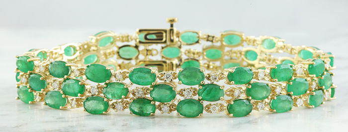 22.88 Carat Emerald and Diamond Bracelet In 14K Yellow Gold *** FREE SHIPPING *** NO RESERVE ***