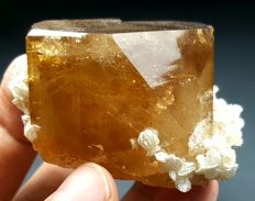 Top Quality terminated golden brown Topaz with Mica - .70x61x34mm -275 gram