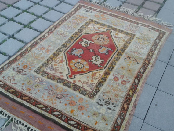 Hand Knotted Turkish Nomadic Rug, 101 x 157 cm
