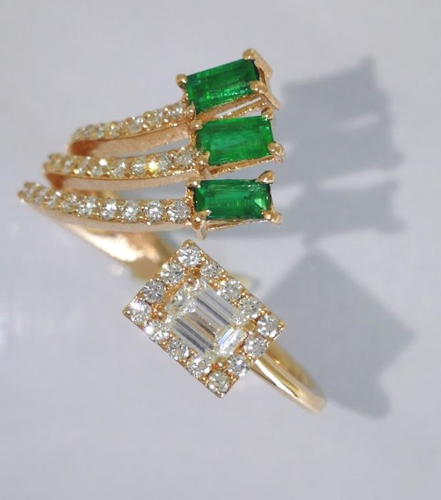 Special ring with    diamonds  & natural   Green Emerald  -   ****No reserve price***