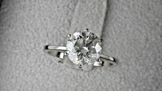 IGL 2.19 Ct ct  round diamond ring made of 14 kt white gold *** NO RESERVE PRICE ***