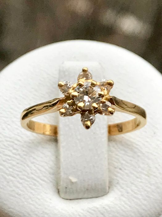 Ring 18 kt yellow gold and diamonds of 0.34 ct Top Wesselton size 51/16.28 mm