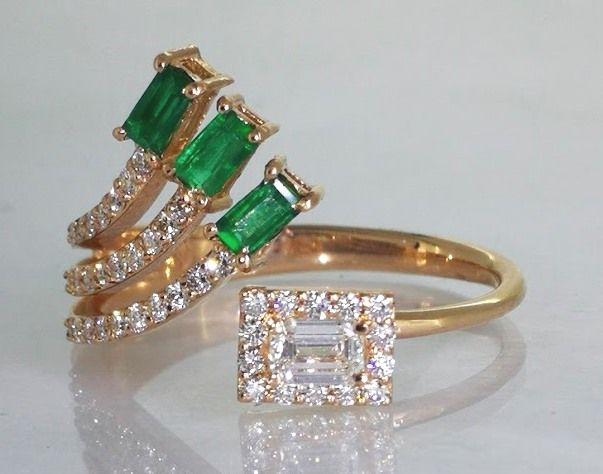 Special ring with    diamonds  & natural   Green Emerald