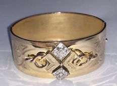 Antique bracelet from the 1800s in 18 kt yellow gold with 0.52 ct of antique diamonds