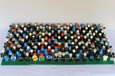 160 Lego mini figures with accessories
