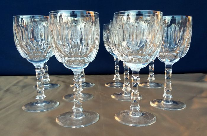 Lot of 10 beautiful chiselled and cut crystal glasses - France c. 1930