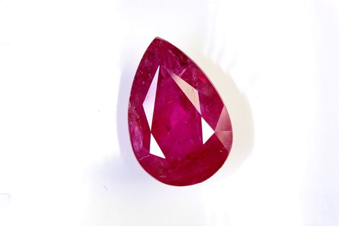 Ruby - 2.10 ct - Intense Red - Fine Color Quality