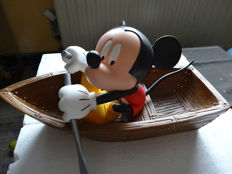 Disney - Figurine - Mickey in a boat