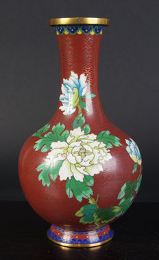 Cloisonne long neck vase - China - mid 20th century (late Republic period)