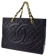 Chanel - Logo trapuntato CC con catena Shopper