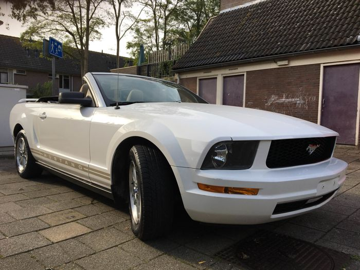 Ford USA - Mustang 4.0 efi convertible - 2006