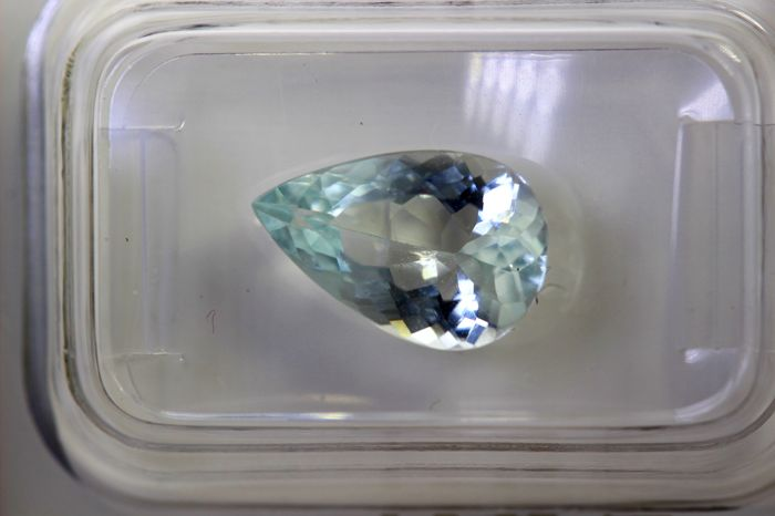 Aquamarine - 2.08 ct - Light Blue