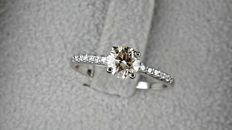 0.78 Ct SI1  round diamond ring made of 14 kt white gold  *** NO RESERVE PRICE ***