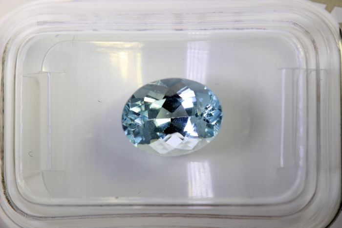 Aquamarine - 2.09 ct - Light Blue