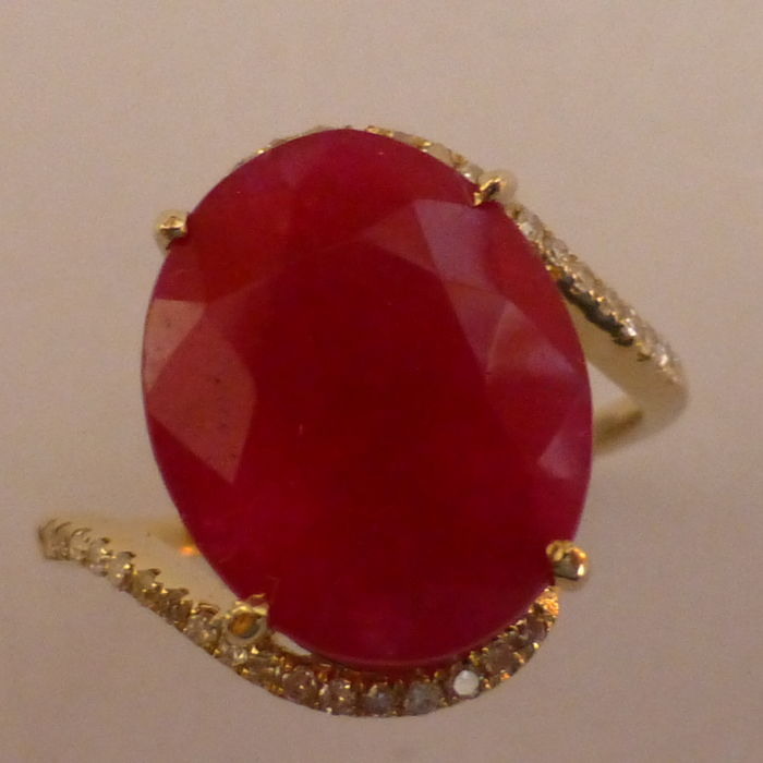Large 6.18 Ruby & Diamond Ring - 15.3mm wide -No Reserve