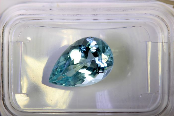 Aquamarine - 2.94 ct - Light Blue