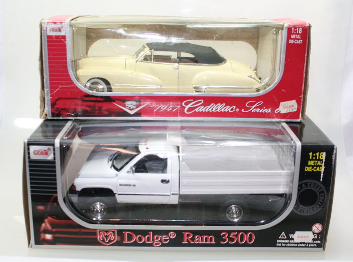 Anson - Scale 1/18 - Cadillac 1947 Series 62 and Dodge RAM 3500
