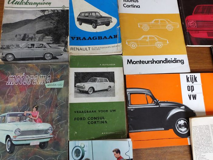 Various nice car books, manuals and photo books on classic cars