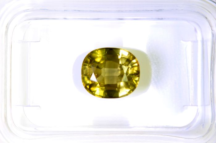 Zircon - 3.26  ct - Brownish Green Yellow