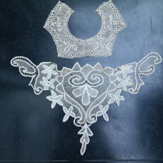 Collar and chest piece of Belgian lace, early 20th century