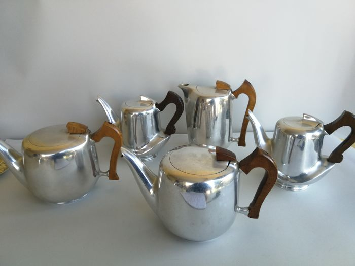 Set consisting of 5 teapots with wooden handle - Made in England