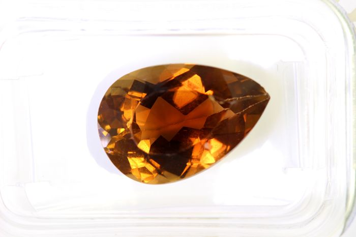 Topaz - 6.85 ct - Deep Orangy Brown