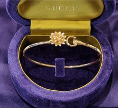 Gucci - 'Flora' bangle bracelet in rose gold and diamonds